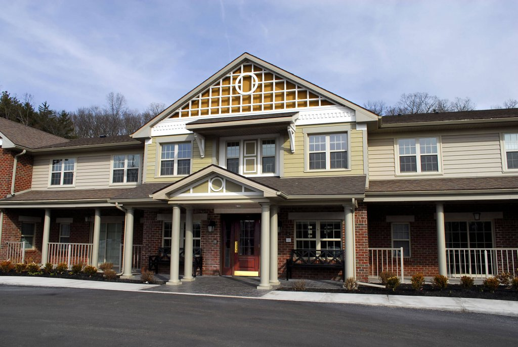The Village East Apartments Exterior photo 5